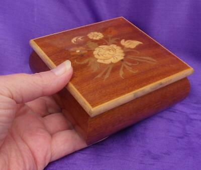 Vintage Wooden JEWELLERY or TRINKET BOX Lacquered Wood SORRENTO WARE Style