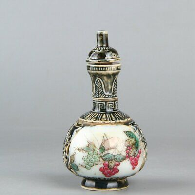 Chinese Exquisite Handmade insect fruit porcelain Rotatable snuff bottle