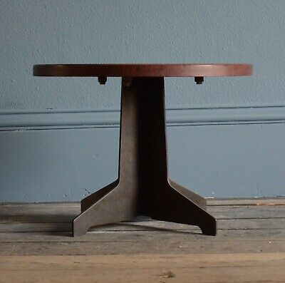 Very rare Art Deco 1930s Bakerlite Side table in good condition