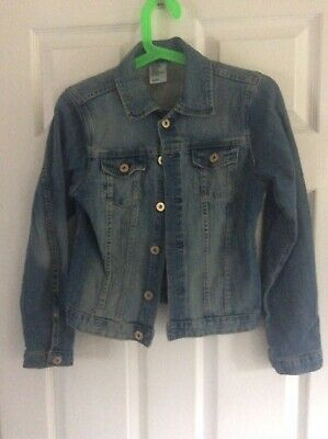 Girls H&M Denim Jacket Size 12-13 Years.  Only worn a handful of times.