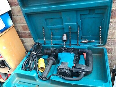Makita Hr3000C Rotary Hammer Drill/Breaker + 6 Chisels + 1 Chuck & Carry Box