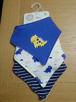 Baby Boys Girls 2 Pair Baby Bibs and Socks Gift Set In One Pack 104-689