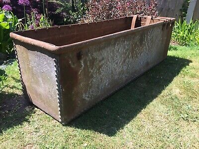 Large Riveted Galvanised Water Trough / Garden Planter /Log Store /Feature