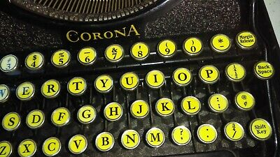 Antique Typewriter Smith Carona with Case Black great keys - good working order