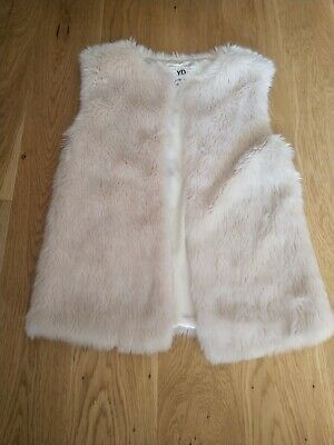 Girls Cream Fur Gilet aged 10-11yrs  Primark