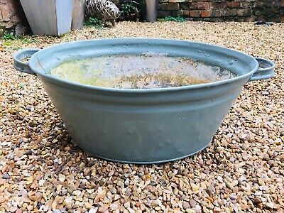 Vintage galvanised tin bath great beer cooler /garden planter