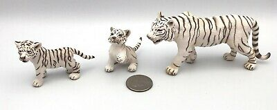 Schleich WHITE SIBERIAN TIGER & 2 PLAYFUL CUBS Wildlife Figures 2007 Retired