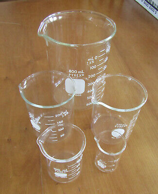 5 Pyrex USA beakers, used but clean very good condition, 30-800 ml sizes asstd