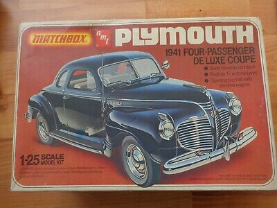 1/25 Vintage Matchbox Amt - 1941 Plymouth De Luxe Coupe Car Model Kit Pk-4142