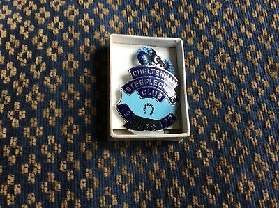 Cheltenham Racecourse 1972 Steeplechase Club Enamel Members Badge