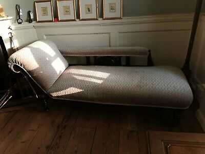 Late Victorian Recently Upolstred Day Bed Or Chaise lounge