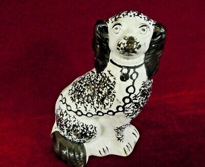 Staffordshire  Spaniel Dog  Vintage  Mantel Black  White