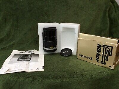 nikon/nikkor 135mm f/2.8 lens, with box/instructions