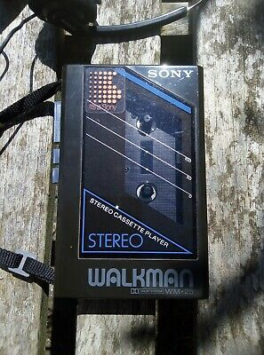 Vintage Sony Walkman WM-25 in great condition with Sony MDR-010 headphones