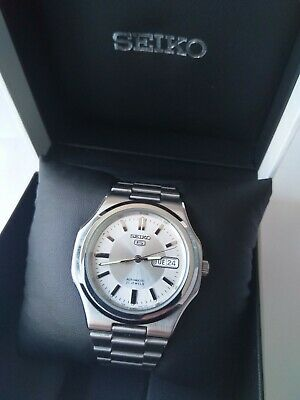 Seiko 5 Automatic Stainless Steel Watch Day Date 21 Jewel 7S26C Movement