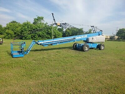 2007 Genie S125 Boom Lift Man Lift 4x4 125' platform height