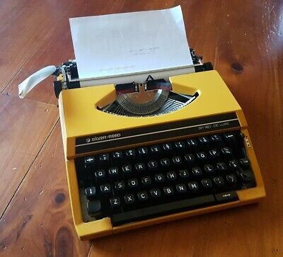 Vintage Silver Reed SR 180 De Luxe Typewriter -Made in Japan by Silver Seiko Ltd