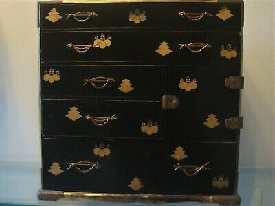 Large Antique Japanese ( Wedding ? ) Lacquer Chest box with Mons