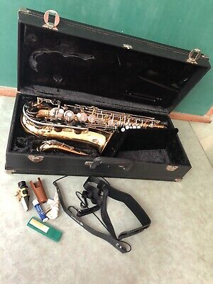 Vito Alto Saxophone Japan W/ Mouthpiece Very Good Condition Looks New