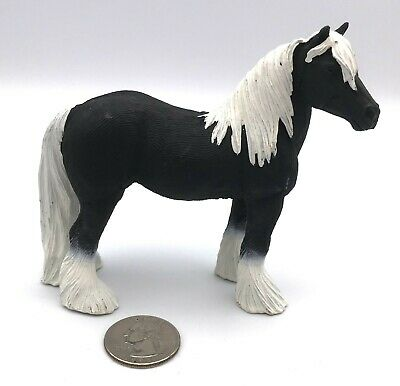 Safari Ltd GYPSY VANNER STALLION Black & White Tinker 2012 Horse Figure