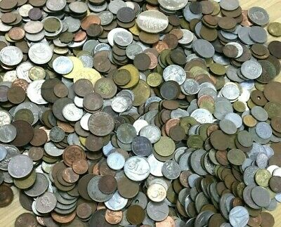 """CB565c) World mixed coins, unsorted. Contains a % of """"Holiday change"""" 1kg."""