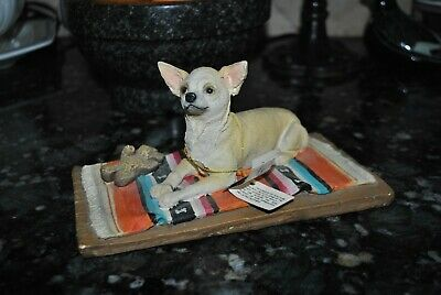 VTG MY DOG Art FIGURINE/Sculpture CHIHUAHUA DFL06B White/Tan Toy Bear Blanket