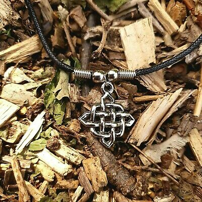 Celtic knot 90s Vintage Nostalgia Necklace Green Gem Witch Goth May Birthstone