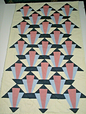 Baby quilt - hand quilted art deco design