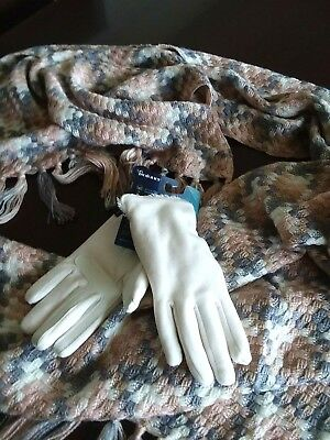 NEW LOT Calvin Klein oversize scarf plus ISOTONER smart DRI smartTouch Gloves