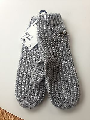 New H&M Cable Knit Mittens Gray One Size