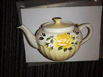 Vintage sadler teapot With A Yellow Rose And Green And Gold leaves