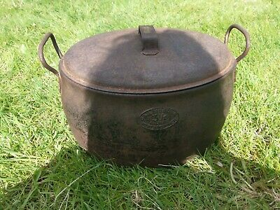 Antique J&J Siddons 3 1/2 Gallon Cast Iron Gypsy Pot / Planter With Lid