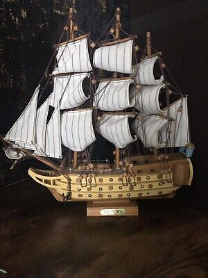 Holzsegelschiff Modell H M S Victory