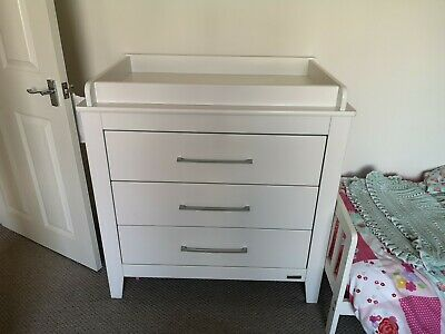 Mamas and Papas White Dresser / Changer