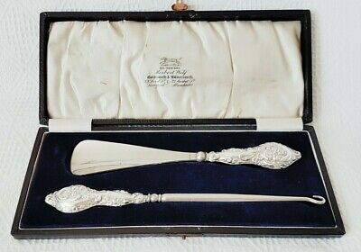 Silver Handled ~ Button Hook & Shoe Horn Set ~ Hallmarked Chester 1913 ~ Cased