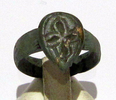 Beautiful Post-Medieval Bronze Ring With Engraving Cross On The Top # 6C