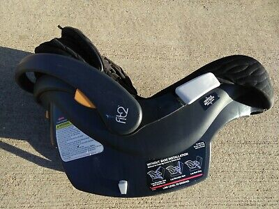 Chicco Fit2 Rear Facing Infant Toddler Carrier Car Seat