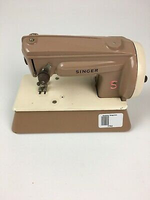 SINGER Kids Crank Sewing Machine Made in Great Britain #22851 Beige