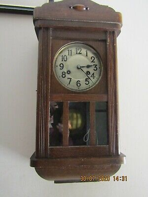 vintage Medium sized Junghans Wall 8 day clock in good working order