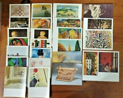 Sculptures Assemblage Artists Postcrossing JB55 Collection of 37 Art Postcards