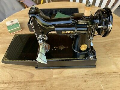 Singer Sewing Machine featherlight or featherweight 221 - 1