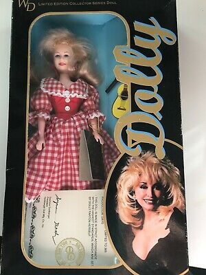 DOLLY PARTON RED//WHITE CHECKED DRESS  WD LE Collector Series Celebrity Doll Toy