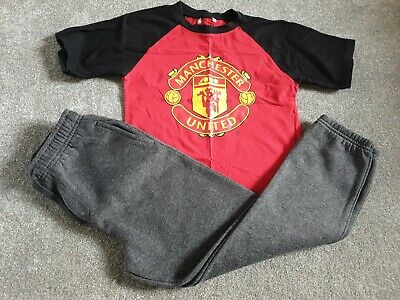 (L) Age 8 - 9 Manchester United Top And Grey Joggers