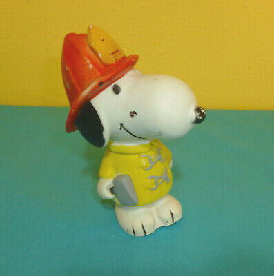 Snoopy Rubber Squeak Toy Fireman Peanuts Gang