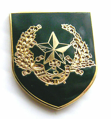 The Cameronians Army Military Lapel Pin Badge Free Gift Pouch Mod Approved