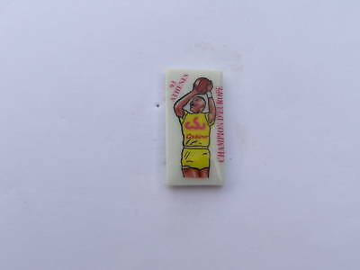 pins basket champion d'europe athenes 93 en porcelaine