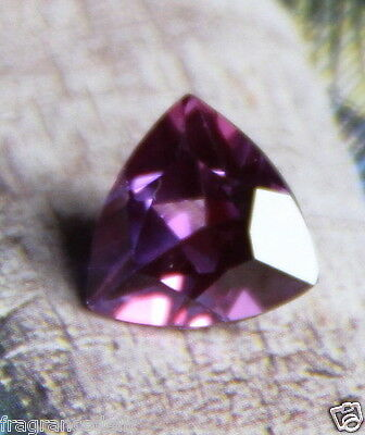 3,95 carats ct Splendide purple saphir VVS 10mm X 9,9mm X 5,7mm