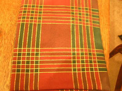 "Kemp & Beatley Holiday 70"" Round Burgundy/Hunter Tablecloth & 4 Napkins~NIP"