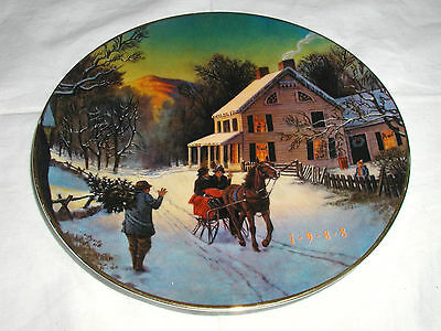 """""""home For The Holidays"""" Avon Plate 1988 Christmas Porcelain Trimmed In 22K Gold"""