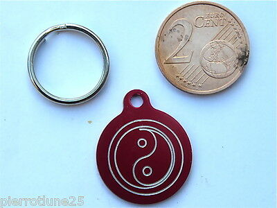 MEDAILLE GRAVEE RONDE ROUGE ying yang CHATON CHAT collier medalla cane hund